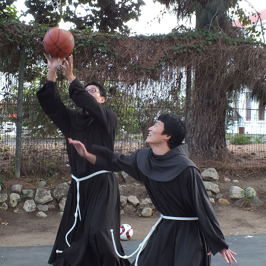 friar-students-playing-basketball-web